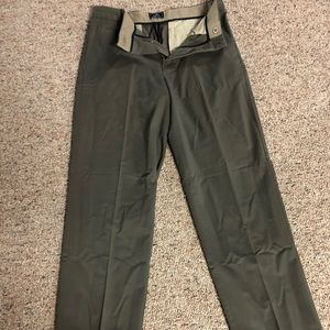 Dockers relaxed fit khakis